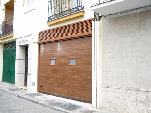 Puertas de garage tecnoupvc - Puertas de garaje malaga ...
